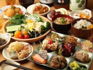 80種類以上の和食メニューが揃うヘルシービュッフェ『大地の贈り物』