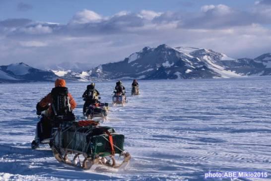 スノーモービルで走った南極6,200km