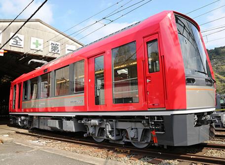 箱根登山電車アレグラ号