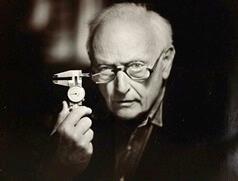 アレックス・モールトン(1920-2012)