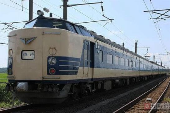 秋田~弘前間の運転を最後に引退する583系電車(写真出典:JR東日本秋田支社)