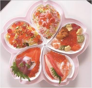 〈北辰鮨〉桜咲くちらし 2,980円/地下1階
