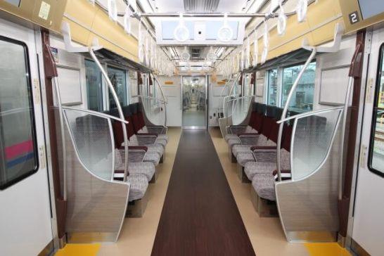 ≪ロングシート(通常列車時)≫
