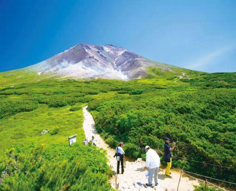 6位 大雪山(だいせつざん、たいせつざん)<北海道>