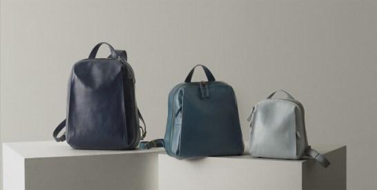 左:Lサイズ(ネイビー)、中央:Mサイズ(グリーニッシュブルー)、右:Sサイズ(スカイグレー)