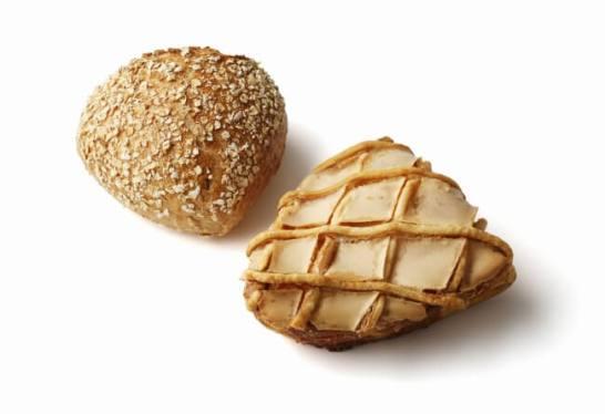 左:パン・オ・ルーヴル / 右:コンベルサシオン