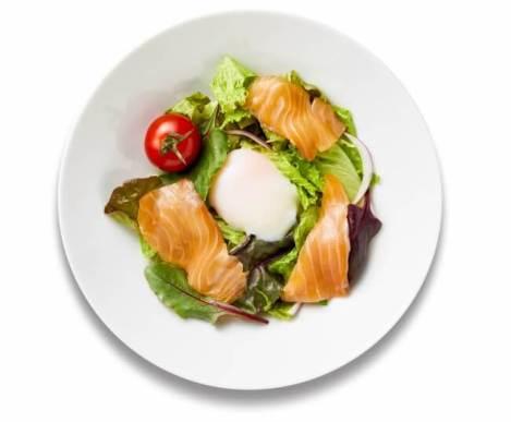 ゆずサーモンの温玉サラダ