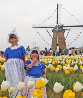 オランダ衣装を着れば気分は海外旅行!親子で着ることもできます。