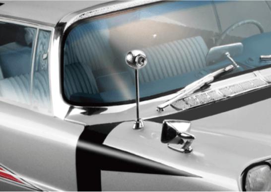 【レーダーアンテナ】実車のロッドアンテナを再現し、レーダー音とともにアンテナが自動で伸縮。