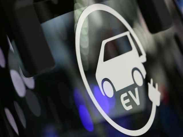Россияне в мае купили на 44% меньше электромобилей