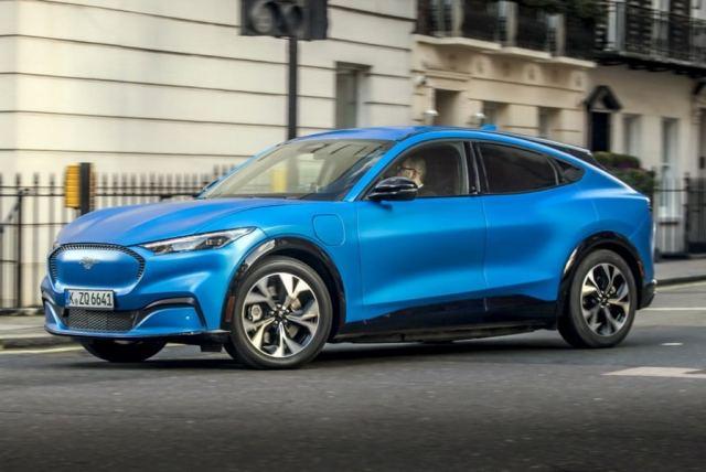 В Ford Mustang станет доступно управление голосом