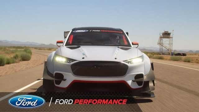 Гоночный электрокар с 7 моторами от Ford (+видео)