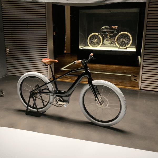 Harley-Davidson — Model 1