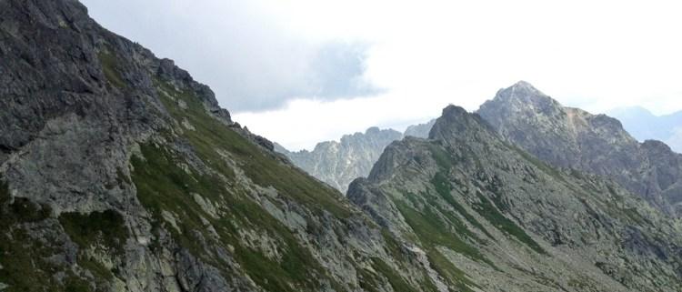 Tatry: popularny szlak na Zawrat zamknięty; obryw skalny nadal aktywny