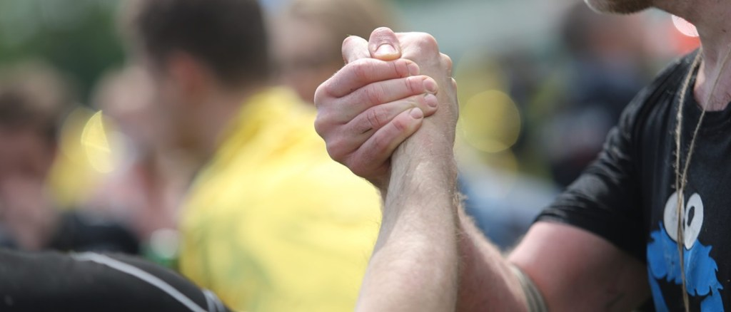 Uścisk dłoni świadczy o zdrowiu mózgu
