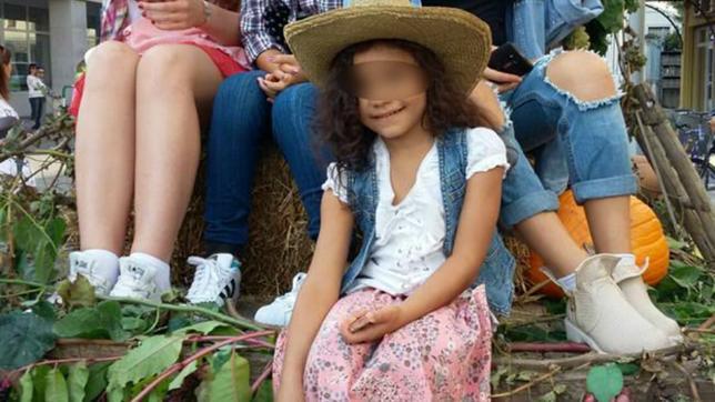 Służby zabrały córkę Katarzyny, by oddać ją ojcu Marokańczykowi.