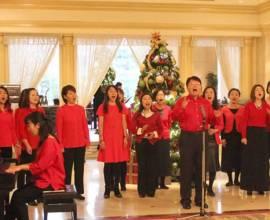 クリスマスはホテルのエントランス&チャペルで、無料音楽鑑賞はいかが?