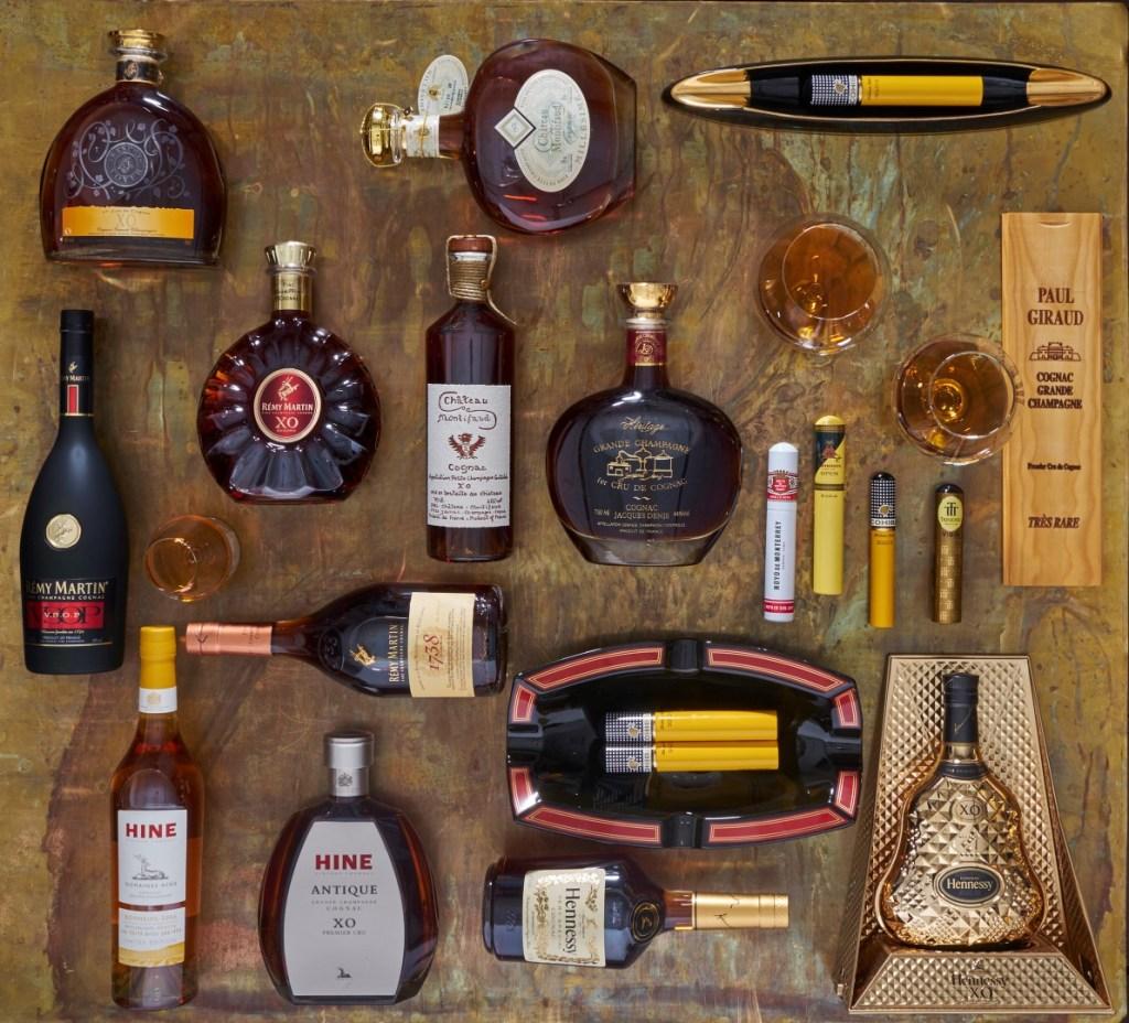 : תצוגת בקבוקי קוניאק                      צילומים: אנטולי מיכאלו