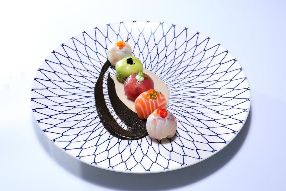 טמארי סושי - כדורי אורז סושי עם פטריות שיטאקה קצוצות