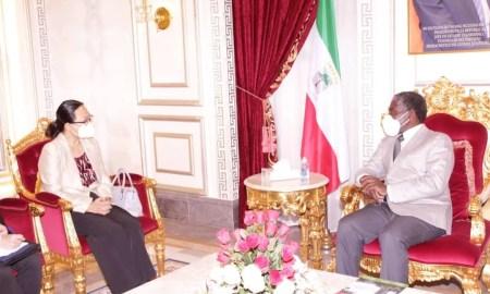 Vice-Presidente da Guiné Equatorial, Teodoro Nguema Obiang Mangue, com embaixadora da China no país, Qi Mei