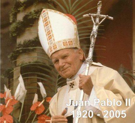La sede papal se inició y actualmente se mantiene en Roma, aunque a lo largo de su historia ha tomado otros lugares