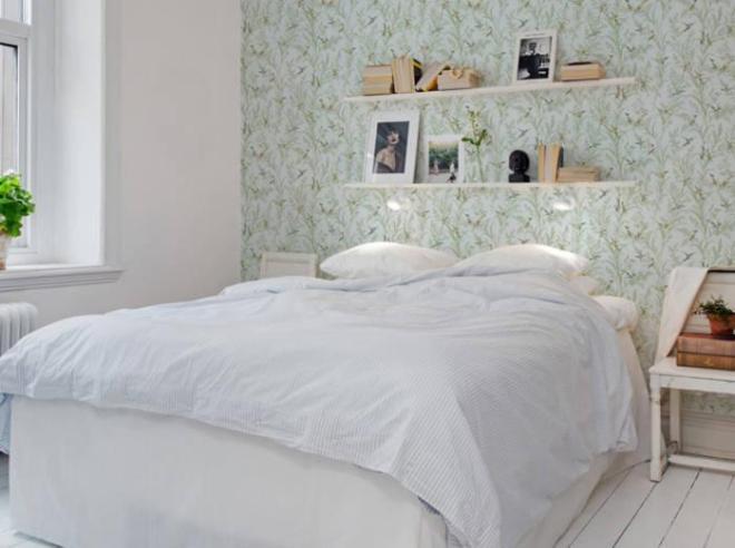 étagère murale au dessus du lit