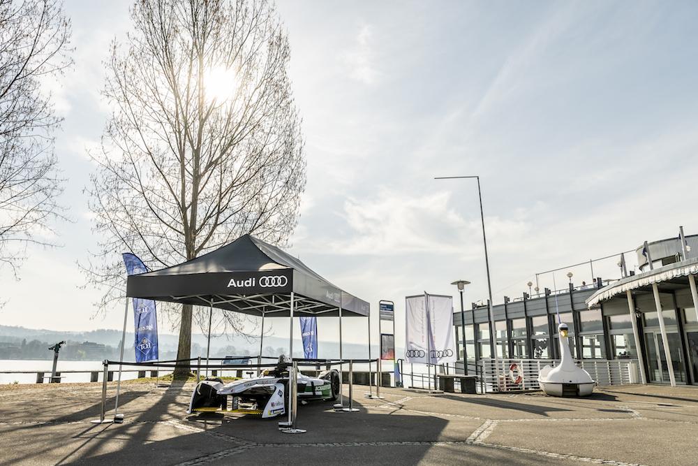 Der Formel-E-Audi vor dem Restaurant Quai 61, wo VIPs den Rennsonntag verbringen können. (Audi)