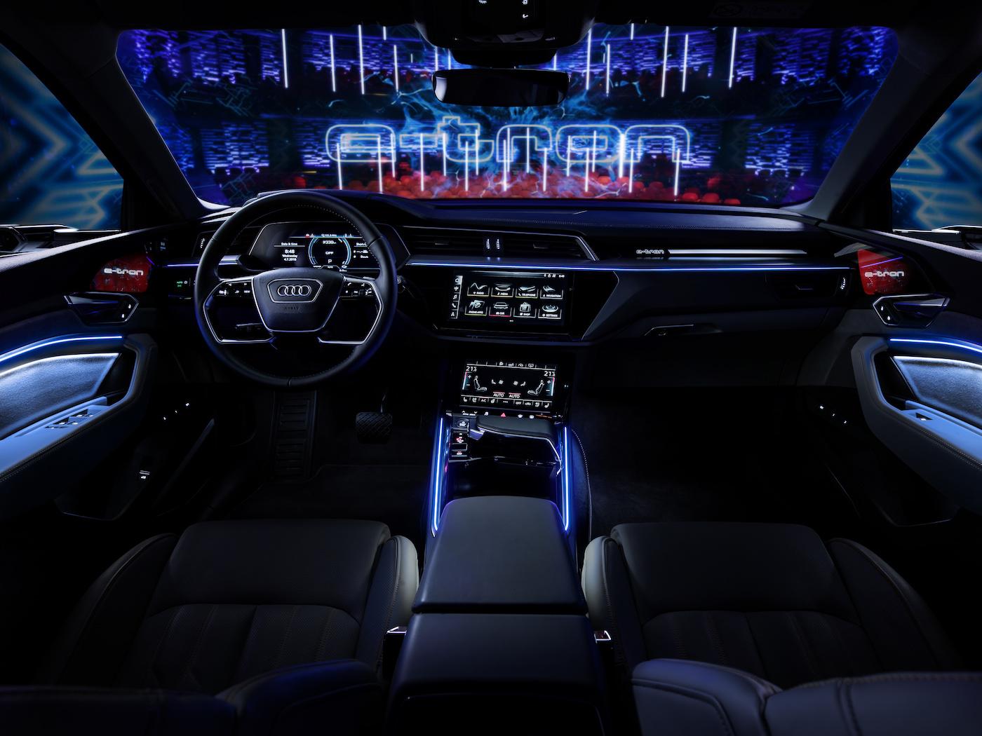 Das Cockpit des e-tron-Prototypen. (Audi)