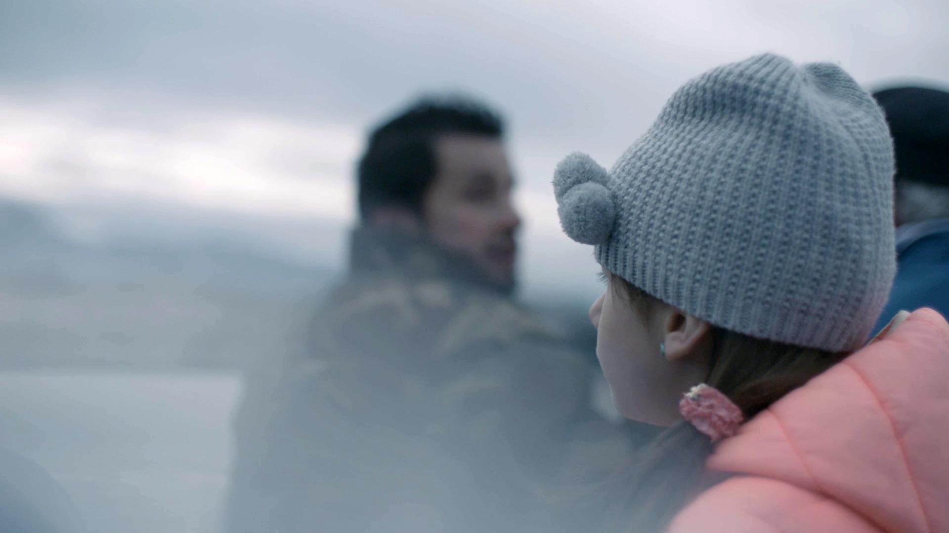 Alessia (8) con la famiglia in una gita in barca sul Lago Lemano.
