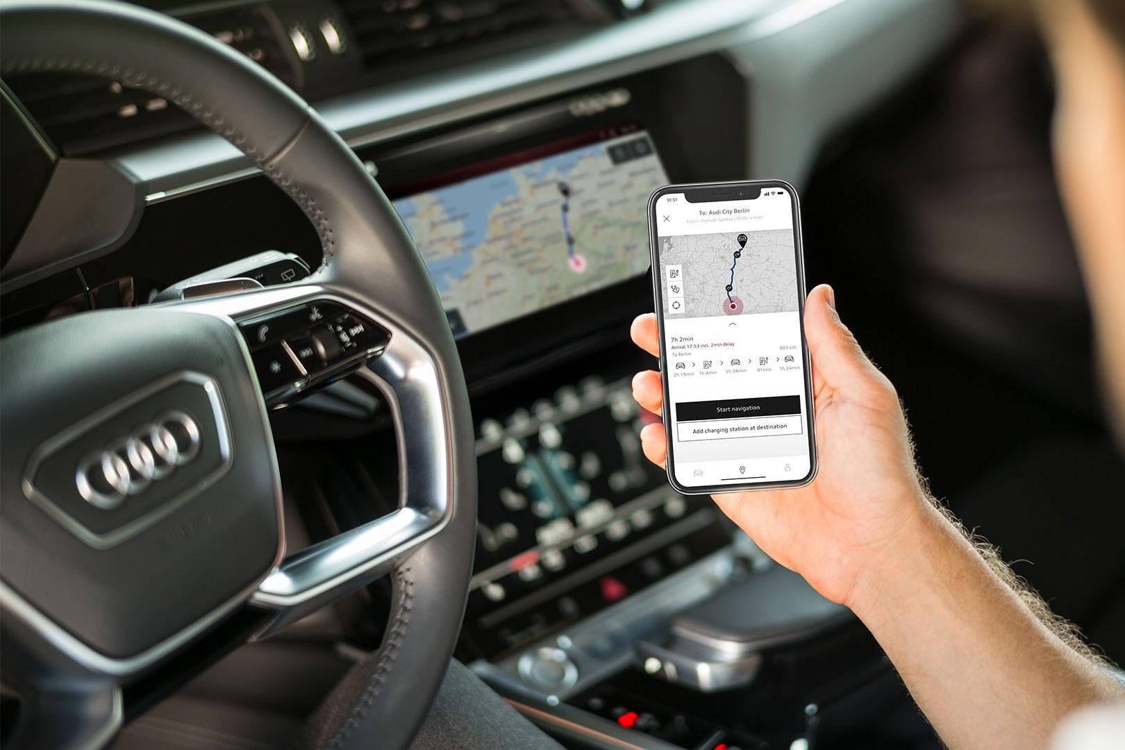 : Il sistema Infotainment dell'Audi e-tron capisce tutto, tranne il dialetto grigionese. (Foto: Audi)