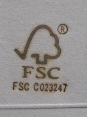 FSCマーク焼印を紙に押す
