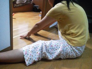 体は硬いけどベターッと開脚目指して毎日ストレッチ実践中