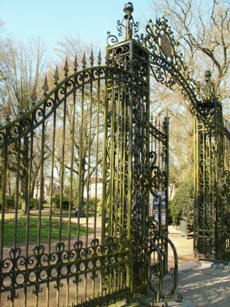 Grille dhonneur  jardin public  Bthune