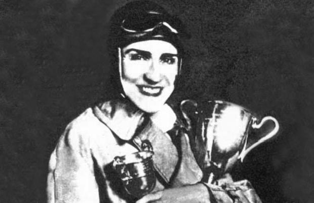 Türkiye'nin ilk kadın yarışçısı anıldı