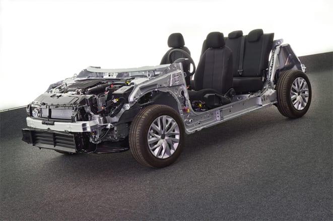 Peugeot yeni teknolojilerini tanıttı