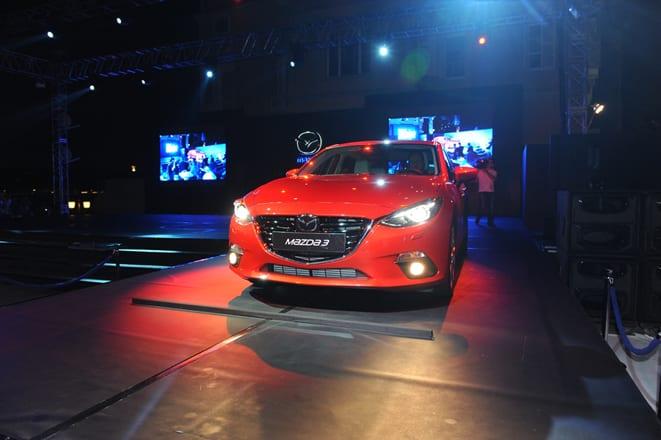 Mazda3'e eşzamanlı dünya prömiyeri