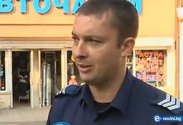 """Ето го полицая-герой от """"Люлин""""! Гонил крадеца 300 метра, повалил го на земята, а когато му сложил белезниците..."""
