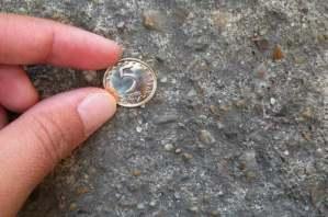 Често намирате монети на пътя? Ето какво означава това!