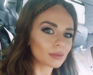 Тя е от Пловдив само на 23 г. но вече кара ТИР и обикаля света! (СНИМКИ)