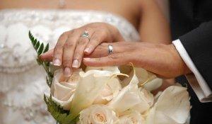 Сицилия плаща по 3000 евро на младоженци