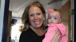 Медицинска сестра осинови недоносено бебе