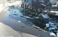 Δραπετσώνα: Ανετράπη βυτιοφόρο - Γέμισε ο δρόμος καύσιμα