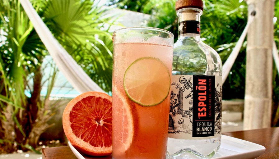 grapefruit margarita cocktail