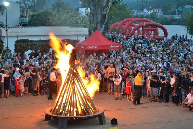 Prag'da Cadı Avı Festivali