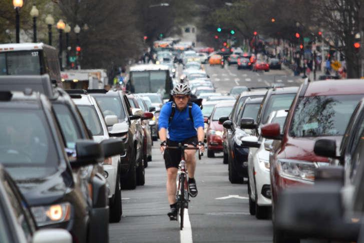 biciclisti-trafic