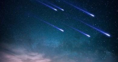 Perseiden - Symbolbild mit Sternschnuppen