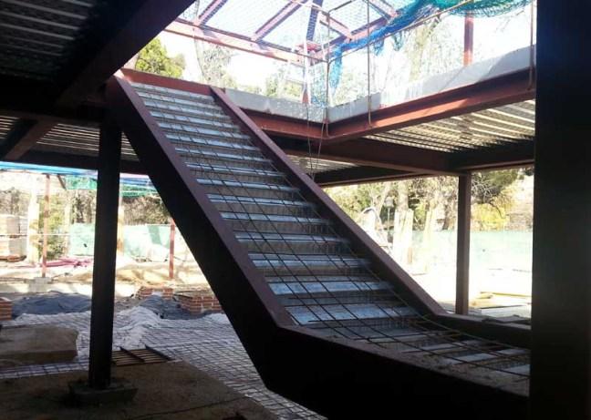 tipos de acero laminado estructural. Escalera de perfiles de acero laminado.