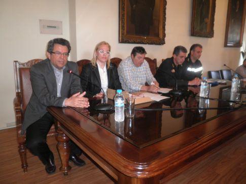 Σε χθεσινή σύσκεψη του Συντονιστικού Οργάνου ο επικεφαλής της Πυροσβεστικής κ. Ν. Μιχαλάκης δήλωσε πως ο Βόλος πρέπει να δώσει έμφαση στην προστασία της Γορίτσας, της Επισκοπής, στα Πευκάκια και στην Κουκουράβα