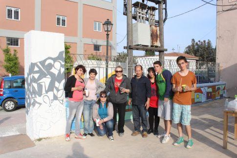 Σε εικαστική παρέμβαση στον κοινόχρηστο χώρο των Ψυγείων Μουστακαλή, στην περιοχή των Παλαιών, προχώρησαν χθες μαθητές του 2ου Εσπερινού ΕΠΑΛ Βόλου