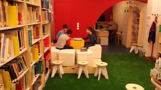 παιδικη βιβλιοθήκη
